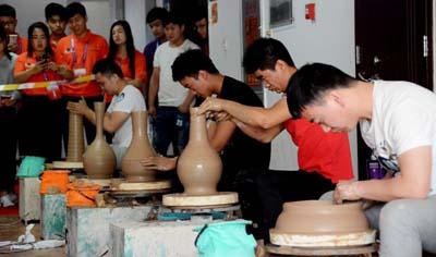 传统工艺-拉胚团建课程