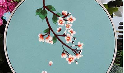 梅花绣绷挂件
